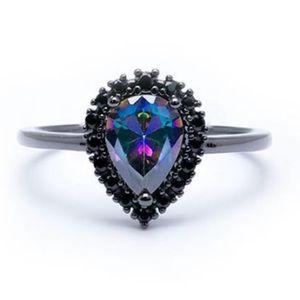 Jewelry - Stunnnning topaz